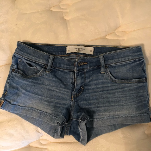 Abercrombie & Fitch Pants - Abercrombie & Fitch jeans short size 2 or 26.